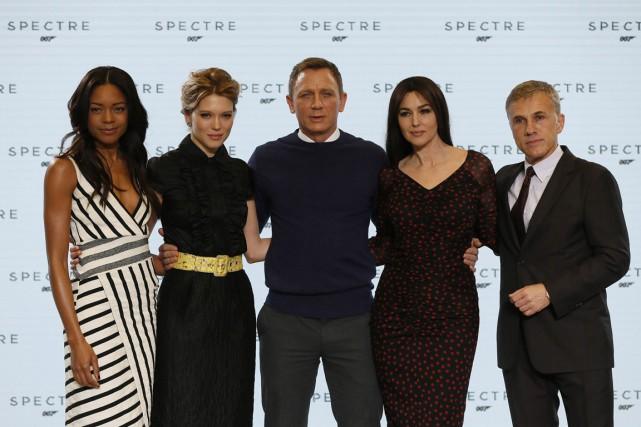Les vedettes de Spectre:Naomie Harris, Lea Seydoux,DanielCraig, Monica... (PHOTO STEFAN WERMUTH, REUTERS)