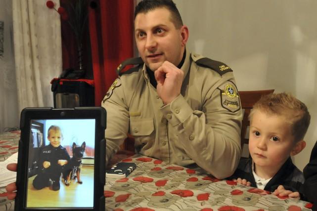 Le jour de l'Halloween, le petit Alexis Dufour, trois ans et demi, portait... (Michel Tremblay)