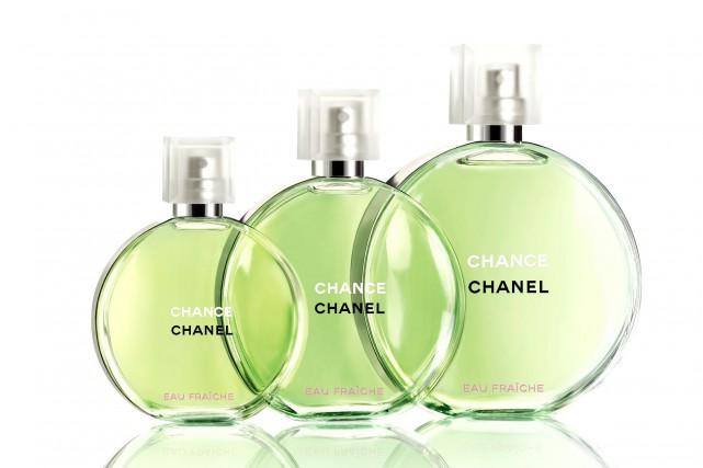Le parfum Chance de Chanel change de taille et tient désormais dans le creux de... (Photo fournie par Chanel)