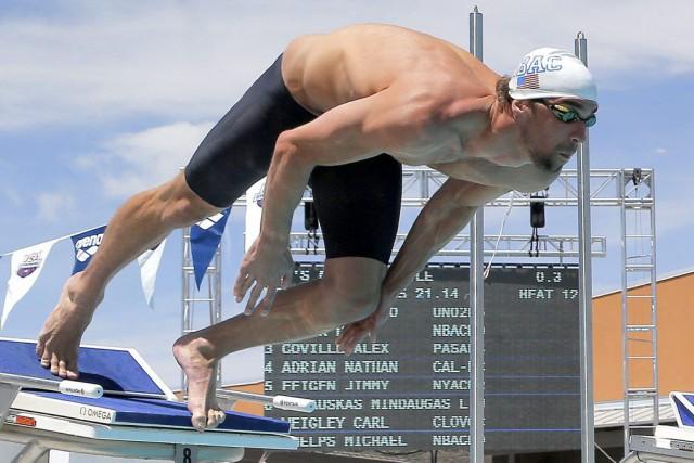 Le nageur aux 18 médailles d'or olympiques, auteur... (PHOTO MATT YORK, ARCHIVES AP)