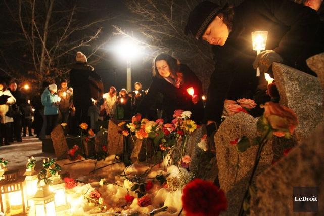 De nombreuses vigiles en mémoire des 14 femmes... (Etienne Ranger, Archives LeDroit)