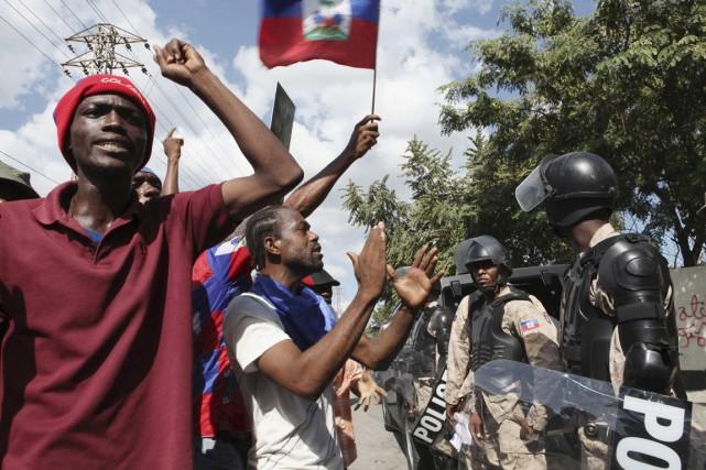 Une manifestation similaire organisée vendredi a pris une... (PHOTO MARIE ARAGO, REUTERS)