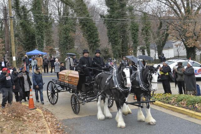 Le cercueil de Marion Barry est arrivé à...