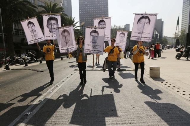 Des manifestations se sont tenues samedi à Mexico... (Photo Henry Romero, Reuters)