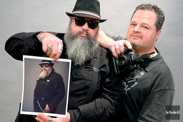 Serge Dionne et le photographe Marquis Giguère... (Le Soleil, Erick Labbé)