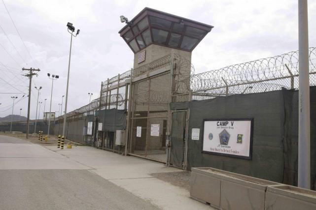 Deux des trois derniers Tunisiens de Guantanamo ainsi que trois Yéménites ont... (PHOTO BEN FOX, ARCHIVES AP)