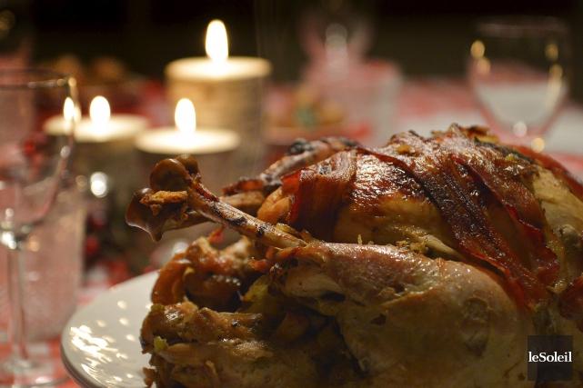 La dinde de Noël congelée directement dans le four? Desreprésentants de deux... (Le Soleil, Yan Doublet)