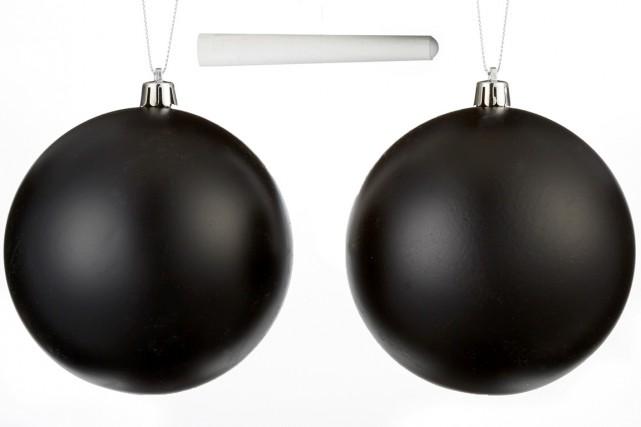 Des boules de Noël sur lesquelles on peut... (Photo fournie par Canadian Tire)