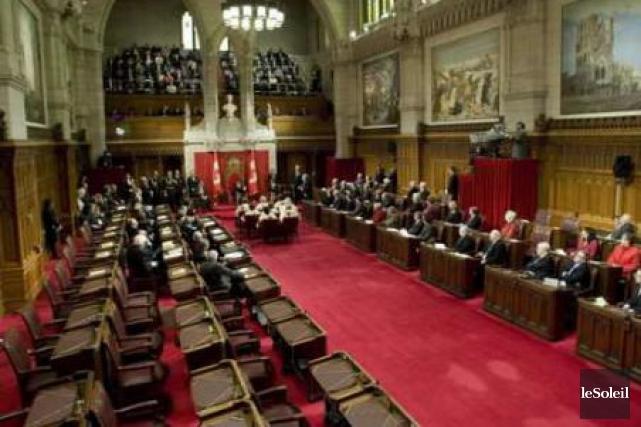 Stephen Harper n'a aucune intention de combler 16 sièges vides sur 105 au... (Photothèque Le Soleil)