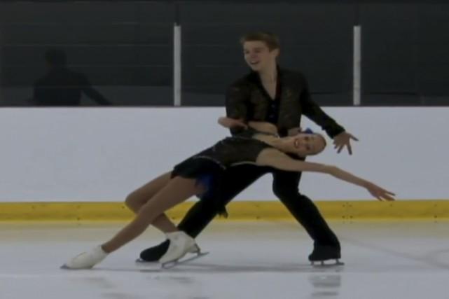 Mathieu Ostiguy et sa coéquipière Justine Brasseur ont... (photo tirée d'une vidéo de Patinage Canada)