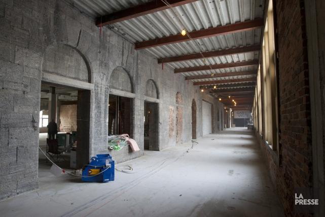 Le ChâteauVigerfait l'objet d'une rénovation de fond en... (PHOTO OLIVIER JEAN, LA PRESSE)