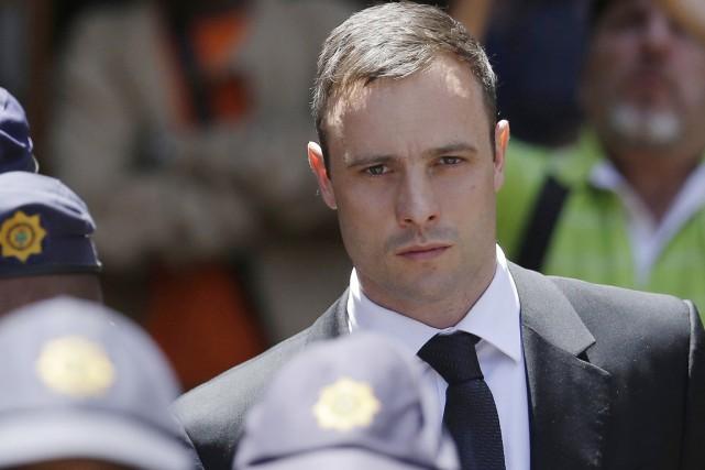 Âgé de 28 ans, Oscar Pistorius pourrait être... (PHOTO THEMBA HADEBE, ARCHIVES AP)