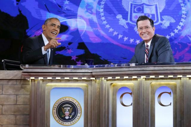 Invité par l'humoriste Stephen Colbert, le président américain... (PHOTO KEVIN LAMARQUE, REUTERS)