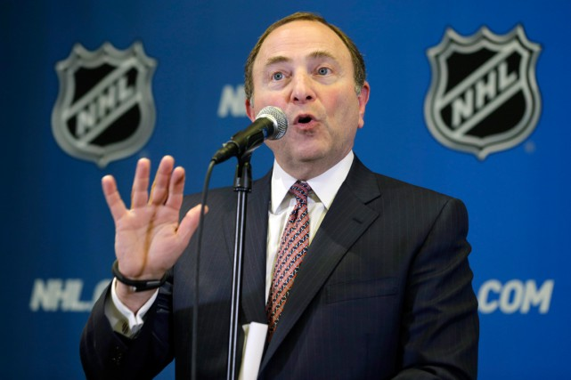 Le commissaire de la LNH, Gary Bettman.... (Archives AP)