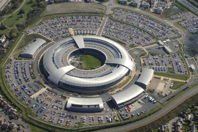 Le GCHQ, en Grande-Bretagne, aurait travaillé avec la... (PHOTO FOURNIE PAR LE GOUVERNEMENT BRITANNIQUE)