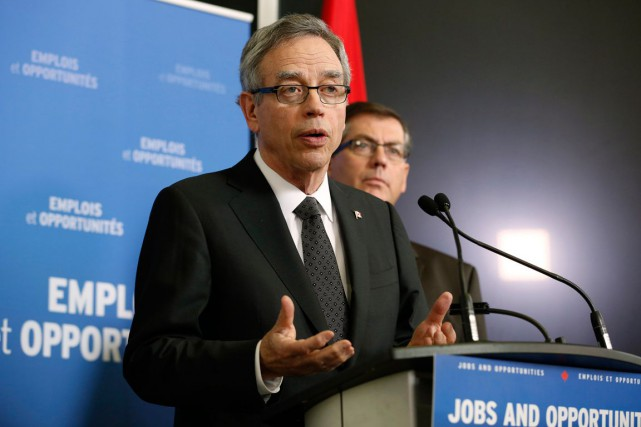 Le ministre des Finances, Joe Oliver, défend bec et... (PHOTO CHRIS WATTIE, ARCHIVES REUTERS)