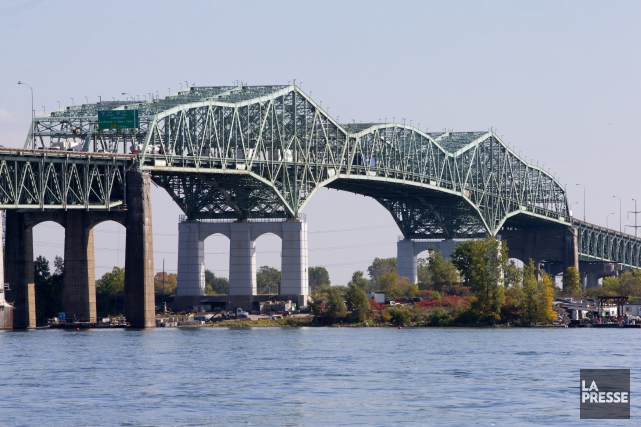 Les travaux se poursuivent au pont Champlain.... (PHOTO ALAIN ROBERGE, ARCHIVES LA PRESSE)