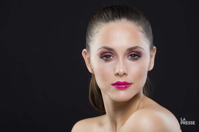 Un maquillage festif et coloré pour le temps... (PHOTO EDOUARD PLANTE-FRÉCHETTE, LA PRESSE)