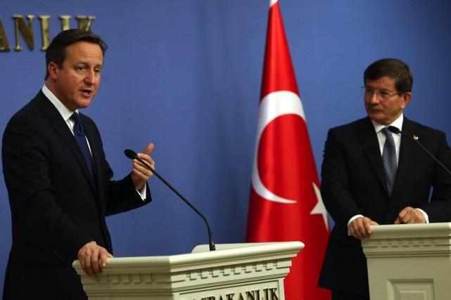 Le premier ministre britannique David Camerona souligné que... (PHOTO ADEM ALTAN, AFP)
