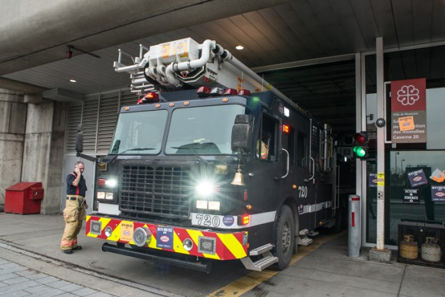 Les camions de pompiers sont normalement associés à la couleur rouge... mais... (Photo Claude André Fortin, collaboration spéciale)