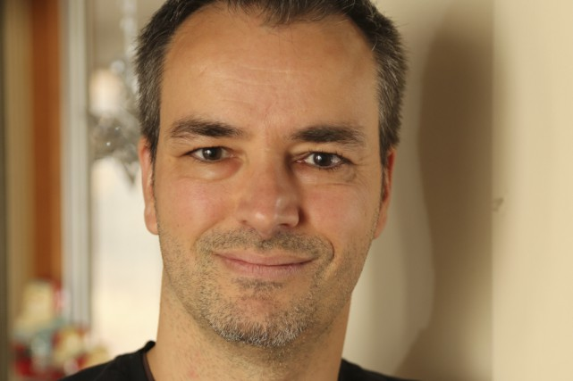 François Lapierre a une trentaine de bandes dessinées... (photo Alain Dion)