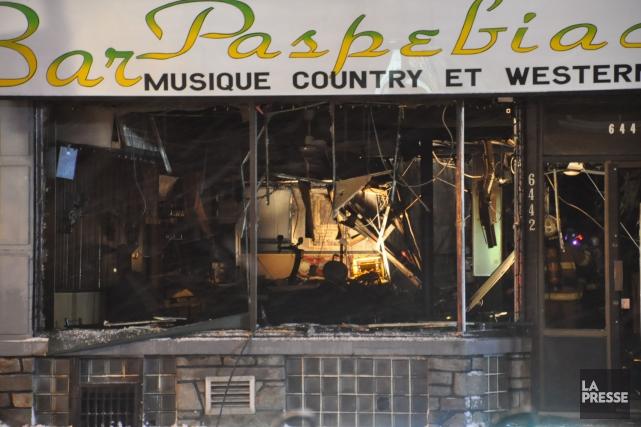 L'incendie a eu lieu au Bar Paspébiac situé... (PHOTO SYLVAIN RYAN, COLLABORATION SPÉCIALE)