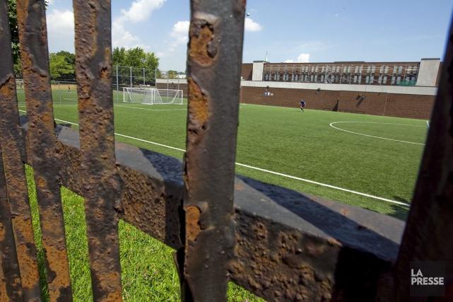 Les joueuses s'opposant à l'utilisation de gazon artificiel en vue de la Coupe... (Photo: Alain Roberge, La Presse)