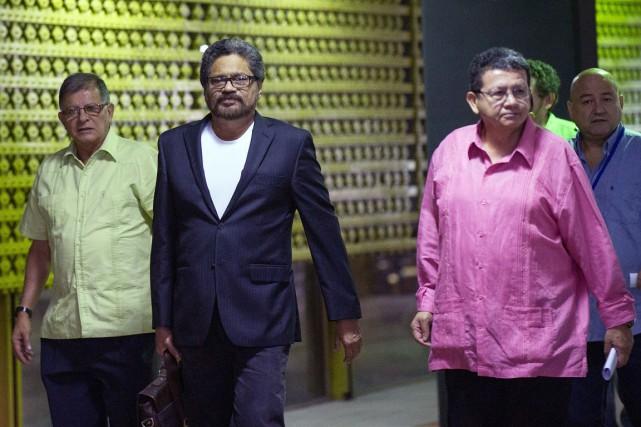 Le dialogue de paix entre la guérilla des... (PHOTO YAMIL LAGE, AFP)