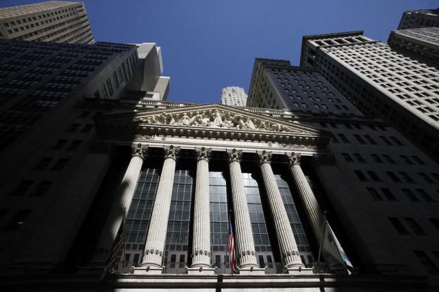 Une mesure de déréglementation financière glissée dans une loi de finances de... (PHOTO ARCHIVES ASSOCIATED PRESS)