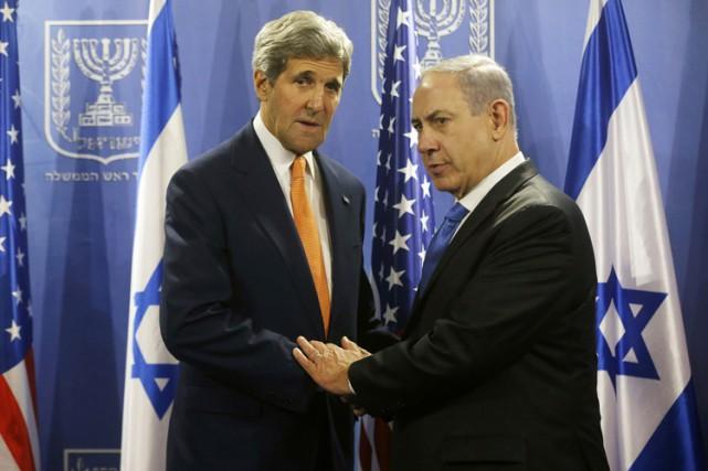 John Kerry et Benyamin Nétanyahou à Tel Aviv... (Archives Reuters)