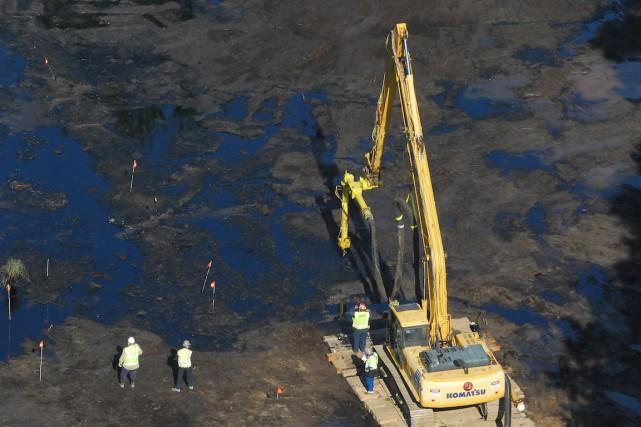 En 2010, l'oléoduc d'Enbridge avait répandu dans la... (Photo The Enquirer, John Grap/AP)