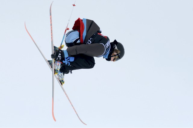 Alex Beaulieu-Marchand veut continuer de skier et de développer... (Associated Press)