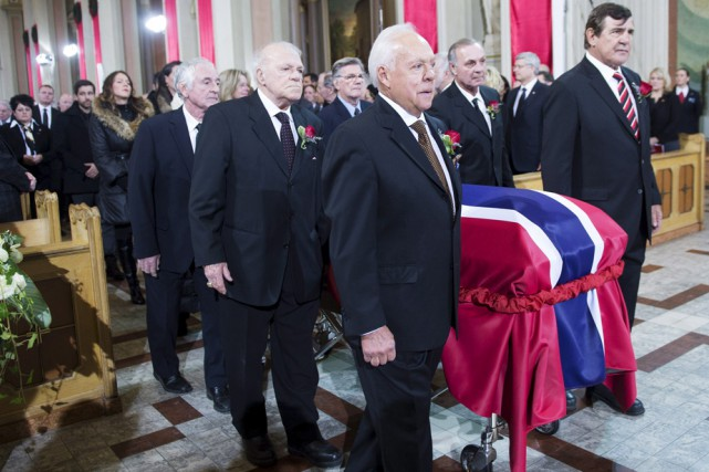 Les ex-joueurs du Canadien Yvan Cournoyer, Phil Goyette,... (Photo: La Presse Canadienne)