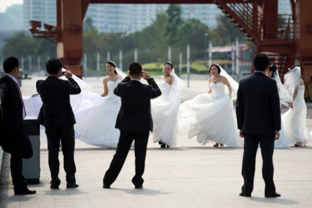 En Chine, les ruraux célibataires doivent amasser une... (Photo JOHANNES EISELE, Archives AFP)