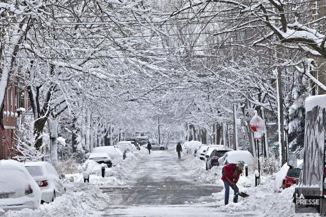 Montréal évalue qu'il lui faut environ quatre jours... (PHOTO PATRICK SANFAÇON, LA PRESSE)