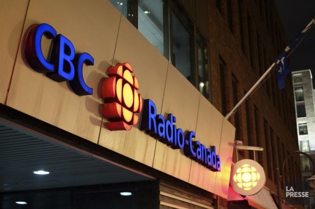 Radio-Canada a annoncé jeudi que ses bulletins d'information seraient réduits à... (PHOTO MYRIAM GILLES, LA PRESSE)