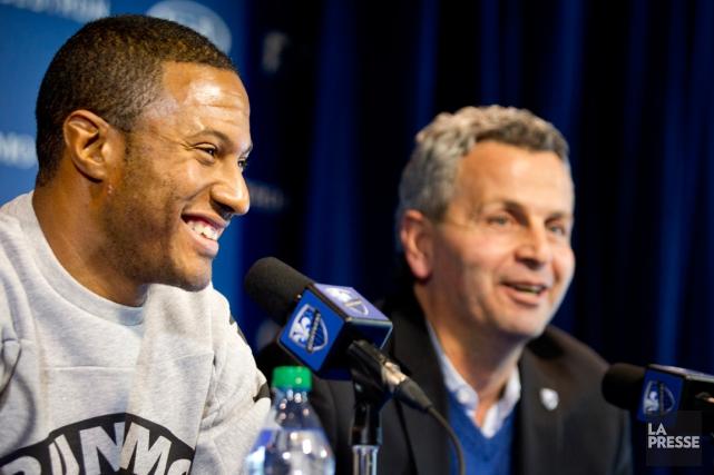 Patrice Bernier et l'entraîneur-chef de l'Impact Frank Klopas.... (Photo Marco Campanozzi, La Presse)