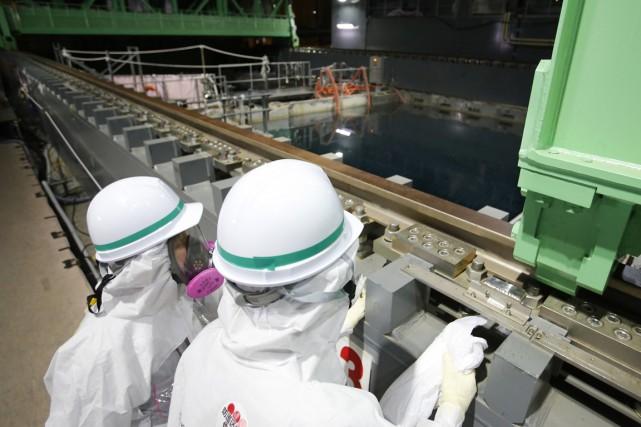Un deuxième couple de réacteurs nucléaires du Japon est en passe d'obtenir... (Photo AP)