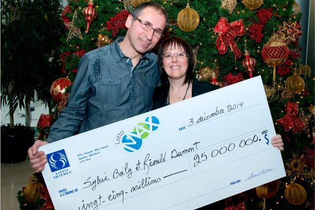 Le gros lot de 25 millions $ gagné à la Loto-Max le 28 novembre par Sylvie... (Photo fournie par Loto-Québec)