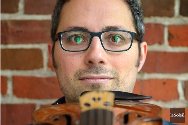Le violoniste Benoît Cormier de l'OSQ, jouera au... (Le Soleil, Yan Doublet)