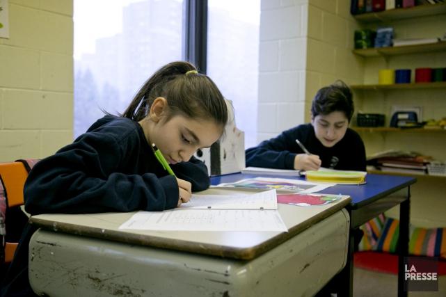 Sur 17 élèves, la classe d'accueil à l'école... (PHOTO DAVID BOILY, LA PRESSE)