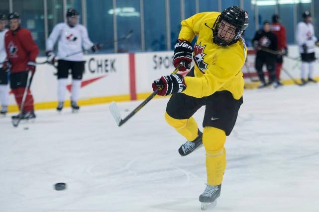 Connor McDavid a patiné avec ses coéquipiers d'Équipe... (Photo Nathan Denette, PC)