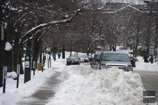 D'imposants bancs de neige étaient visibles dans certains... (Photo: Stéphane Lessard, Le Nouvelliste)