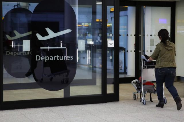 Les autorités britanniques de la sécurité aérienne ont annoncé lundi qu'une... (PHOTO LUKE MACGREGOR, ARCHIVES REUTERS)