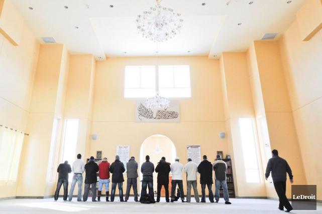 Sept leaders musulmans de la région ont tenu... (Martin Roy, Archives LeDroit)
