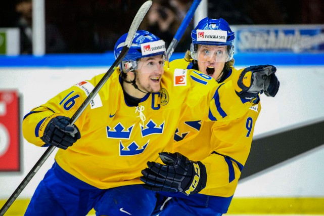 Filip Forsberg et Jacob de la Rose lors... (Photo archives AFP)