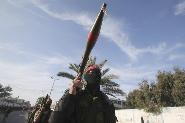 Des militants du Front populaire pour la libération... (PHOTO IBRAHEEM ABU MUSTAFA, AFP)