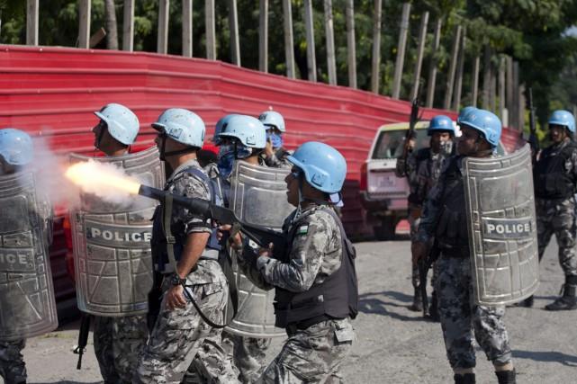 Des soldats de la mission de paix de... (PHOTO DIEU NALIO CHERY, AP)