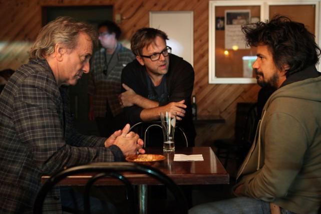 Le réalisateur Stéphane Lapointe discute avec les acteurs... (Courtoisie)