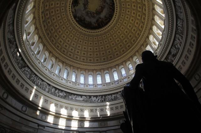 L'adoption par les deux chambres du Congrès était... (PHOTO GARY CAMERON, REUTERS)
